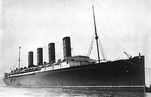 300px-rms_lusitania_coming_into_port_possibly_in_new_york_1907-13-crop